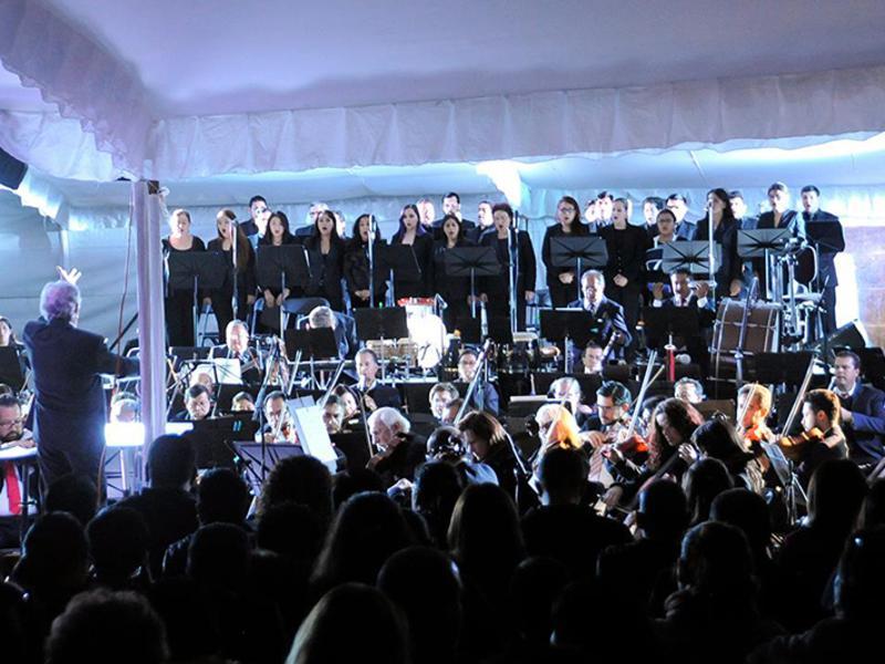 Exitoso homenaje de la OSEM  al Divo de Juárez