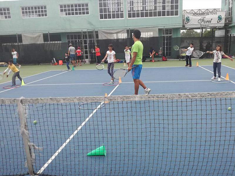 El tenis, un deporte que fortalece el desarrollo y la salud de los niños