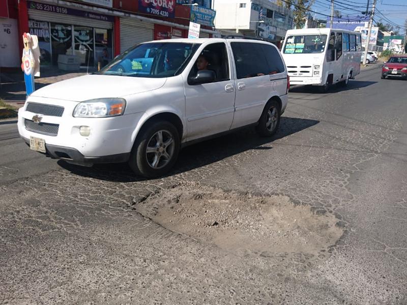 Siguen deteriorándose las calles de Izcalli por falta de mantenimiento