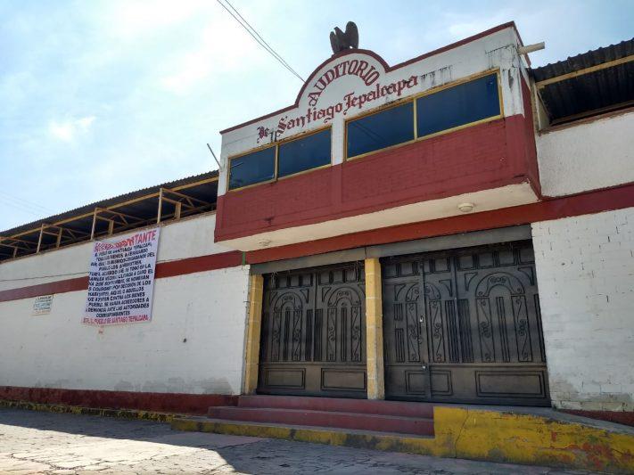 Vecinos y autoridades se disputan el control de los espacios comunitarios